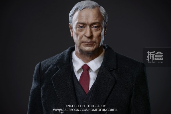 hottoys-batman-armony-Jingobell-012-600x400.jpg